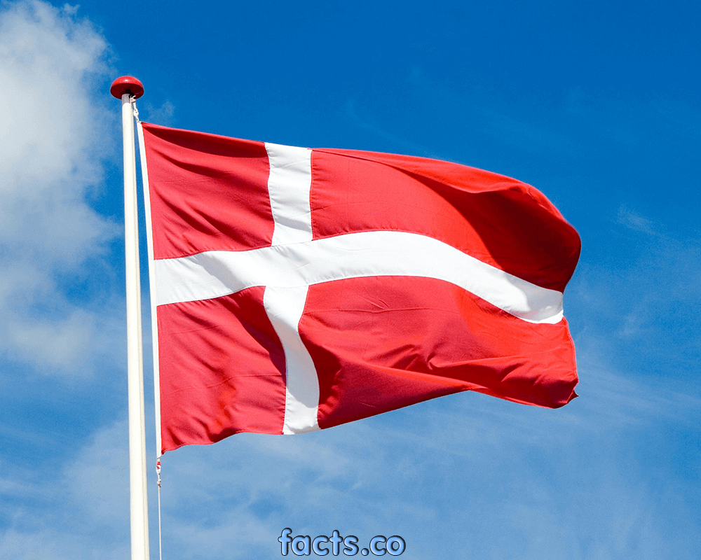 Flag of Denmark EnchantedLearning.com