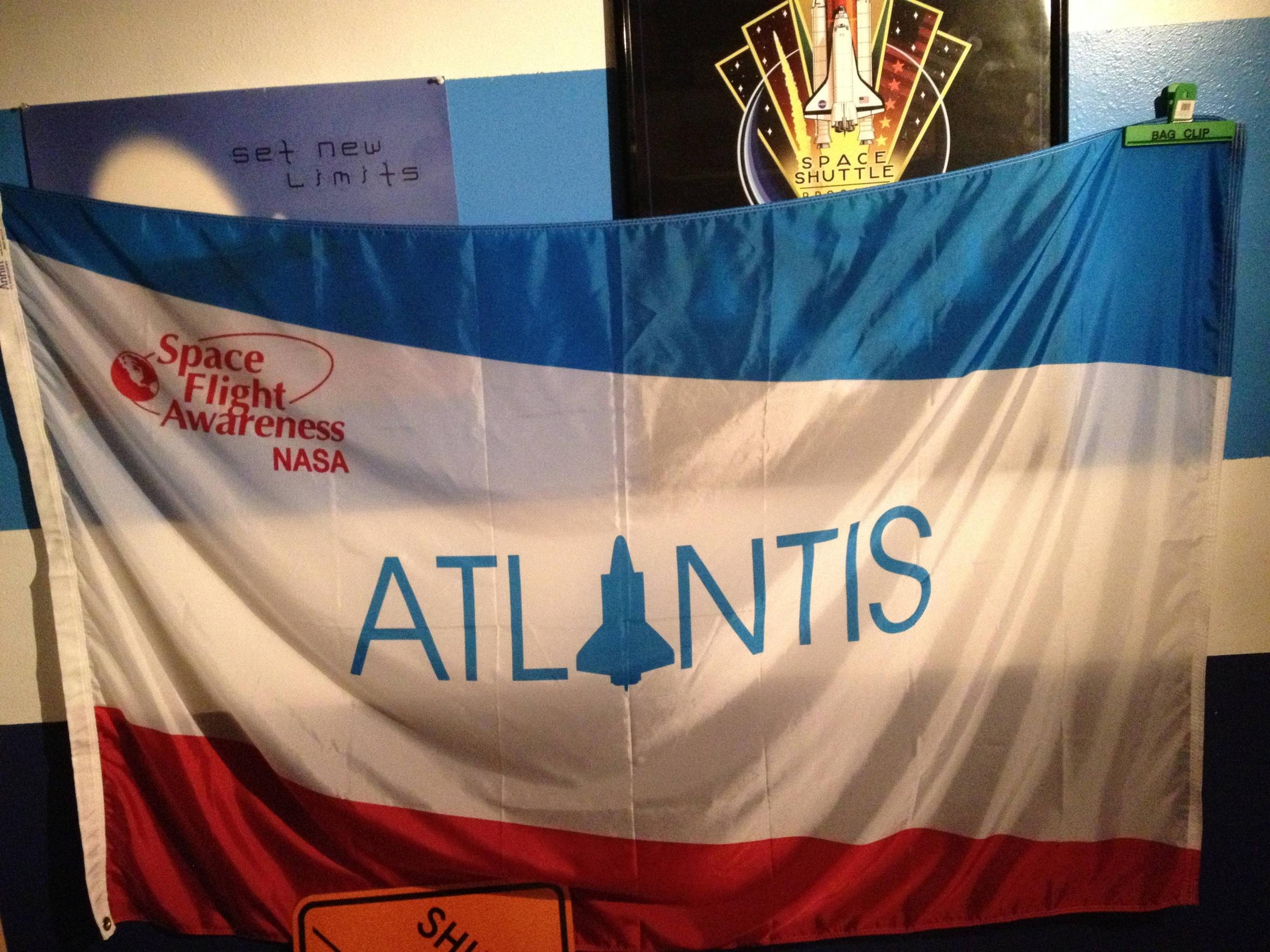 Space shuttle orbiter flags on eBay: authentic? collectSPACE