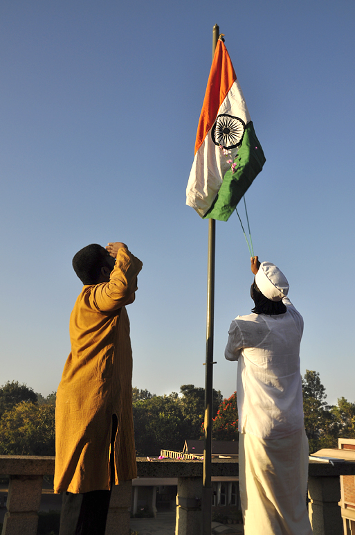 flag hoisting on republic day pic | Happy Republic Day | Pinterest